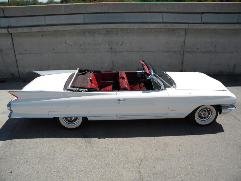 61-caddy-interior-space