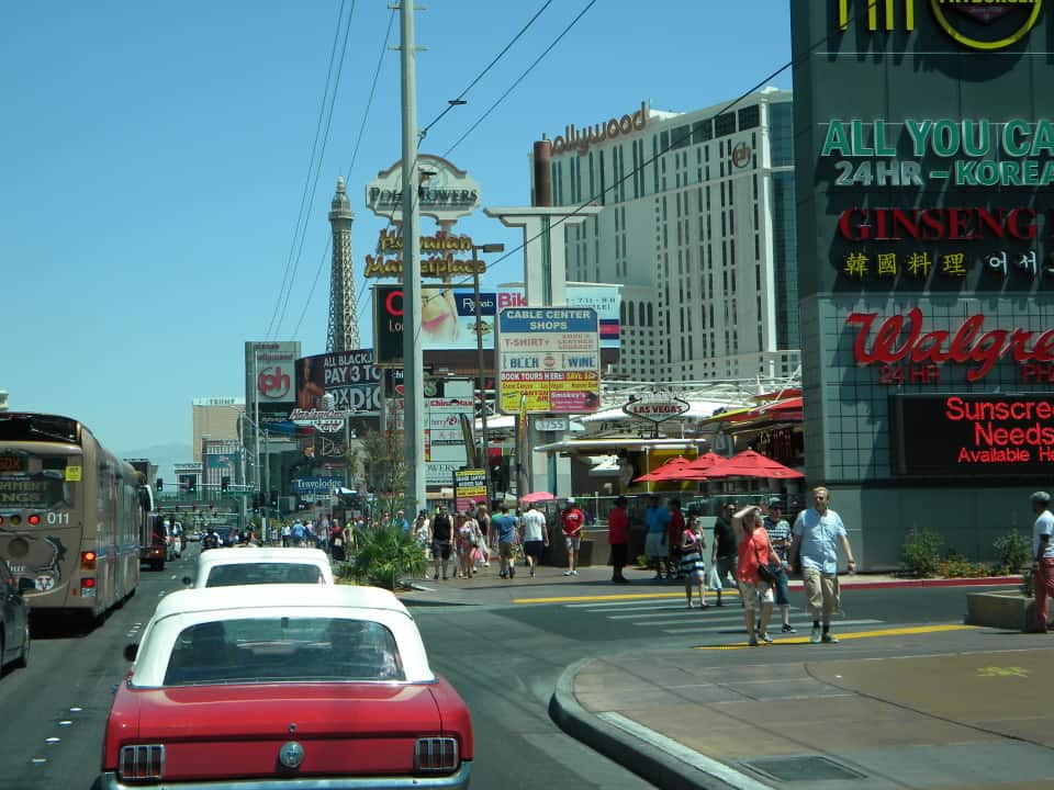 Route 66 chicago to la car tour and rental for Chicago motor cars las vegas nv